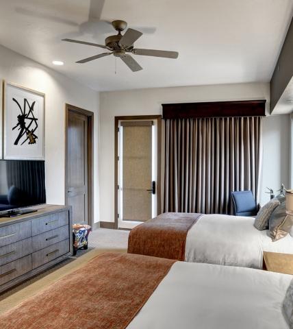 Queen bedroom in the Casitas at Garden of the Gods Resort