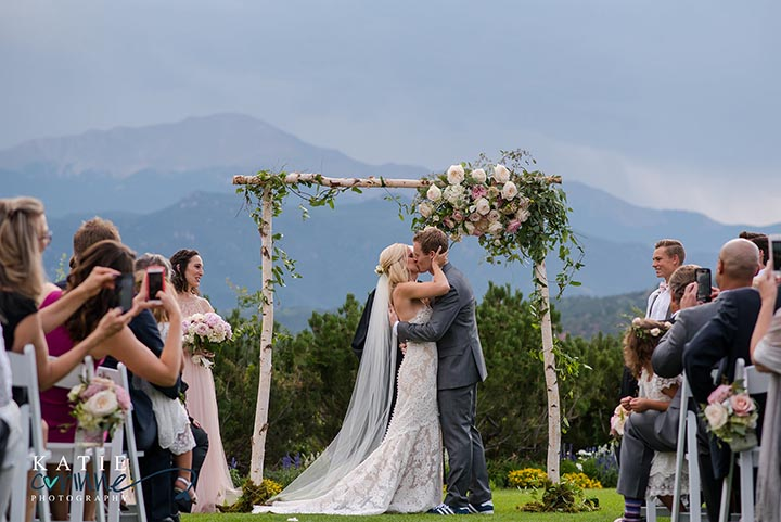 Weddings In Colorado Springs Outdoor Wedding Venues Garden Of The Gods Collection