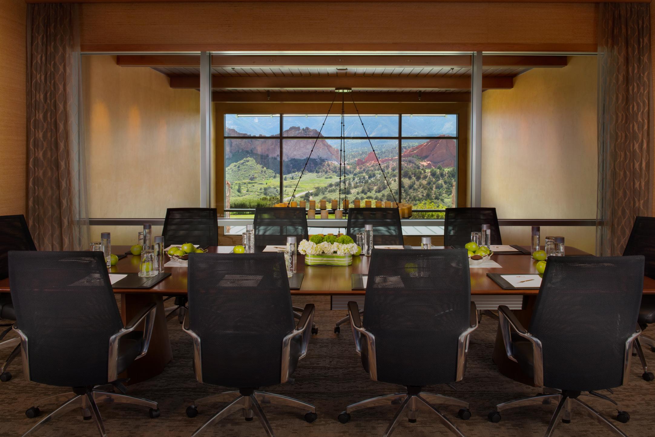 meeting and retreats room