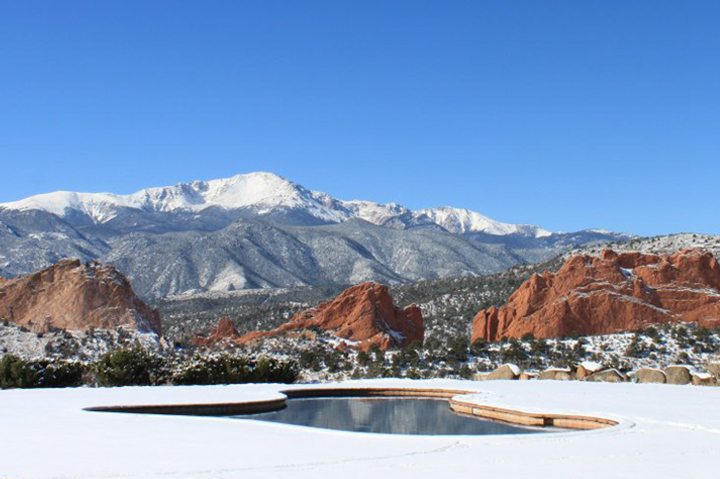 garden of the gods resort pool in winter