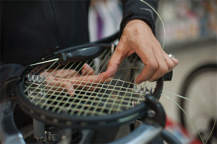tennis pro shop stringing racket