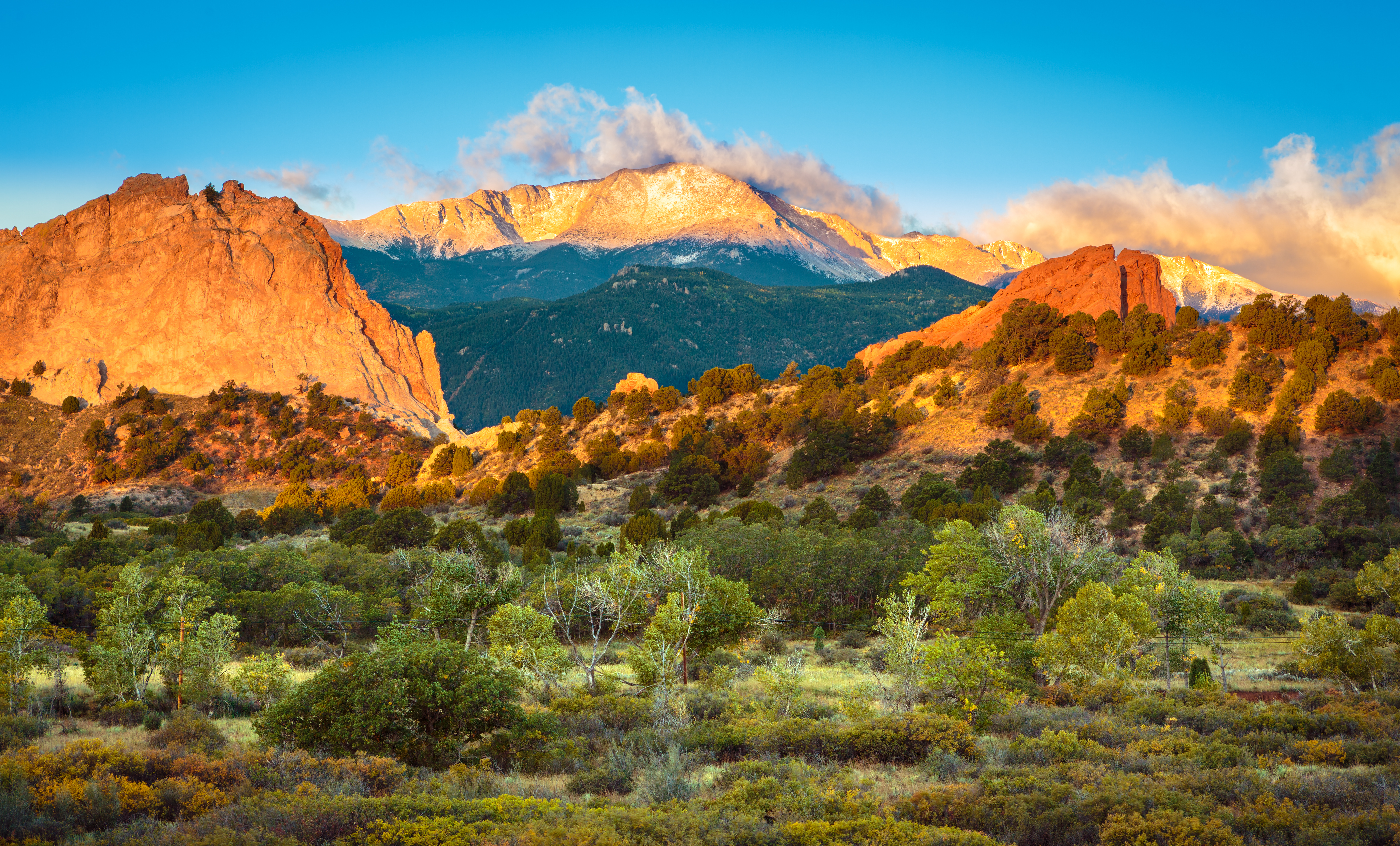 garden of the gods mountains at sunset